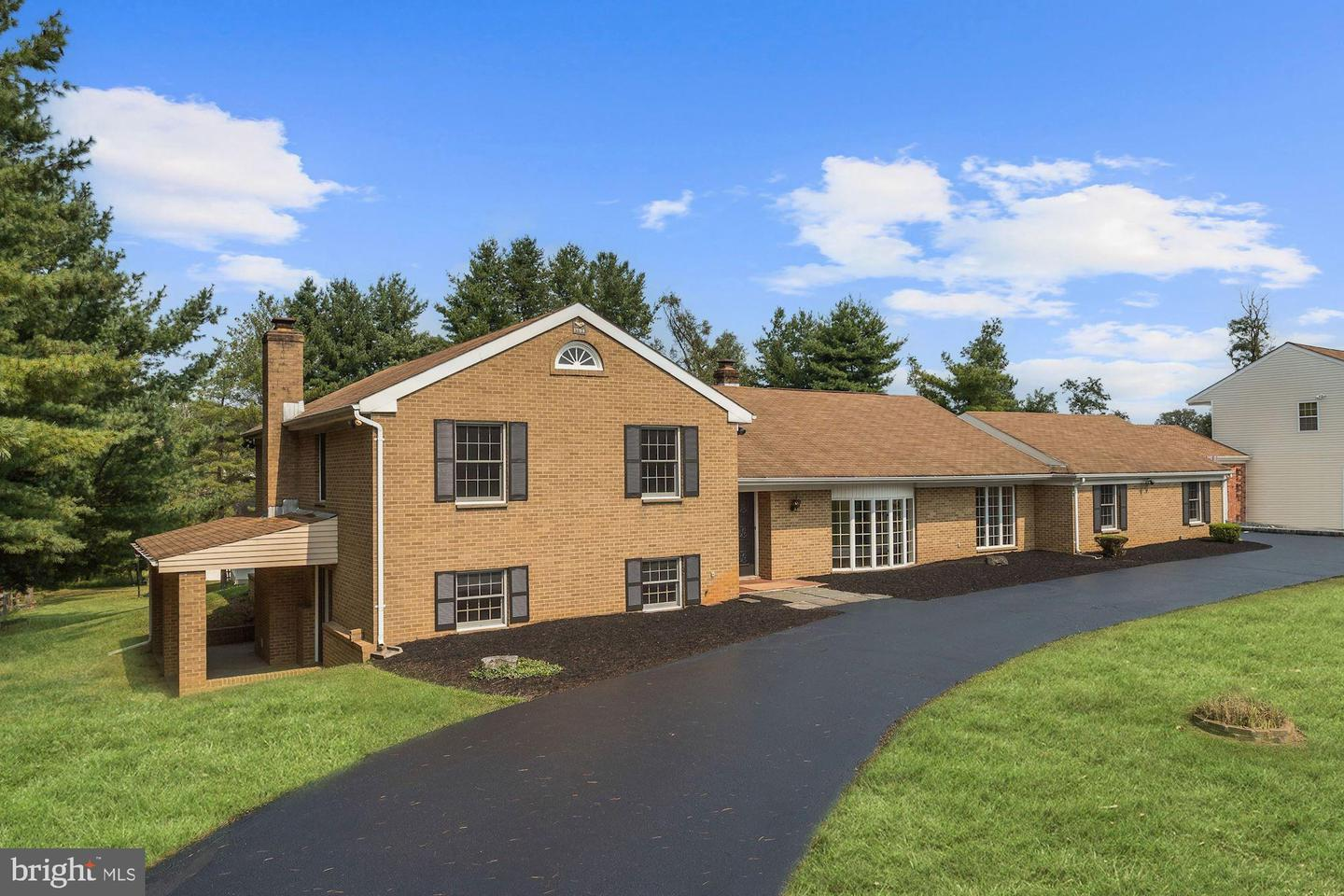 3990 View Top Road   - Ellicott City, Maryland 21042