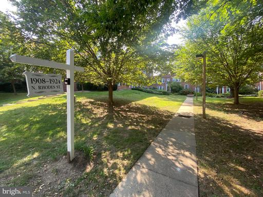 1922 Rhodes St N #78 Arlington VA 22201