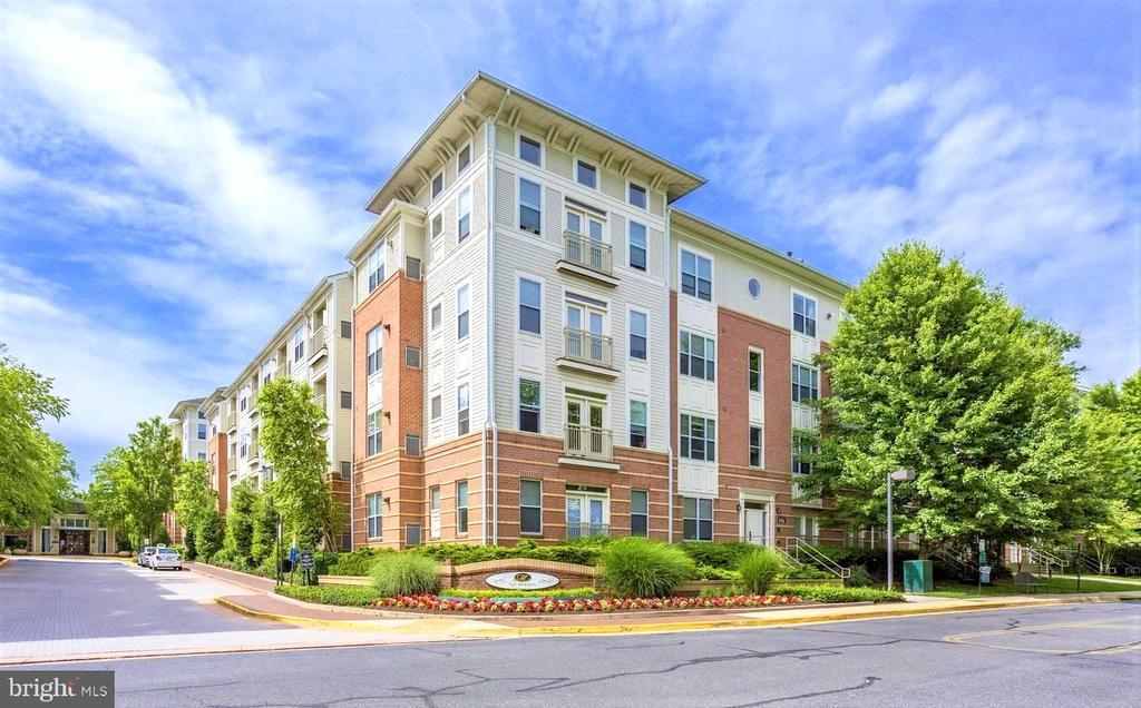9486 Virginia Center Blvd #113