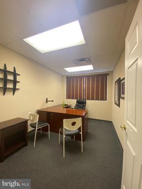 7516 Gardner Park Dr Gainesville VA 20155
