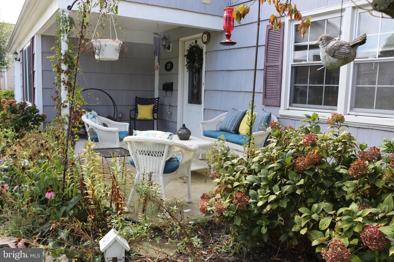 37 Icemeadow Lane Matawan , NJ 07747