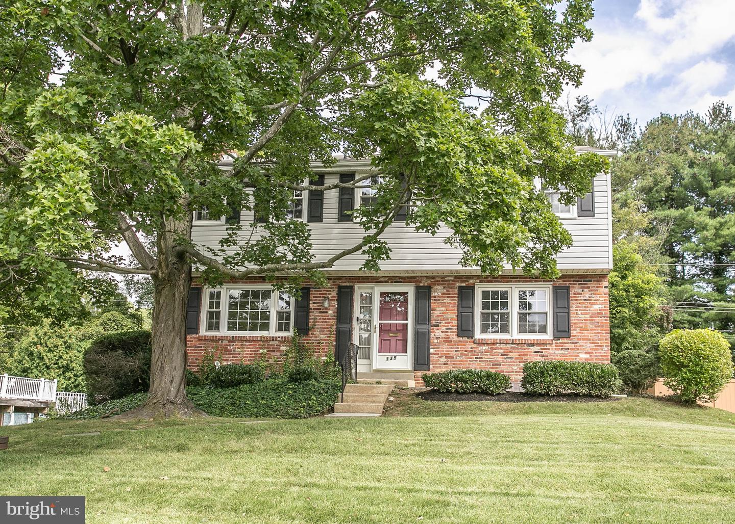 135 Parkview Drive Springfield, PA 19064
