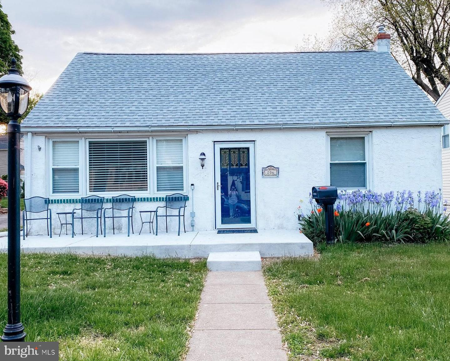 206 Rolling Road Broomall, PA 19008