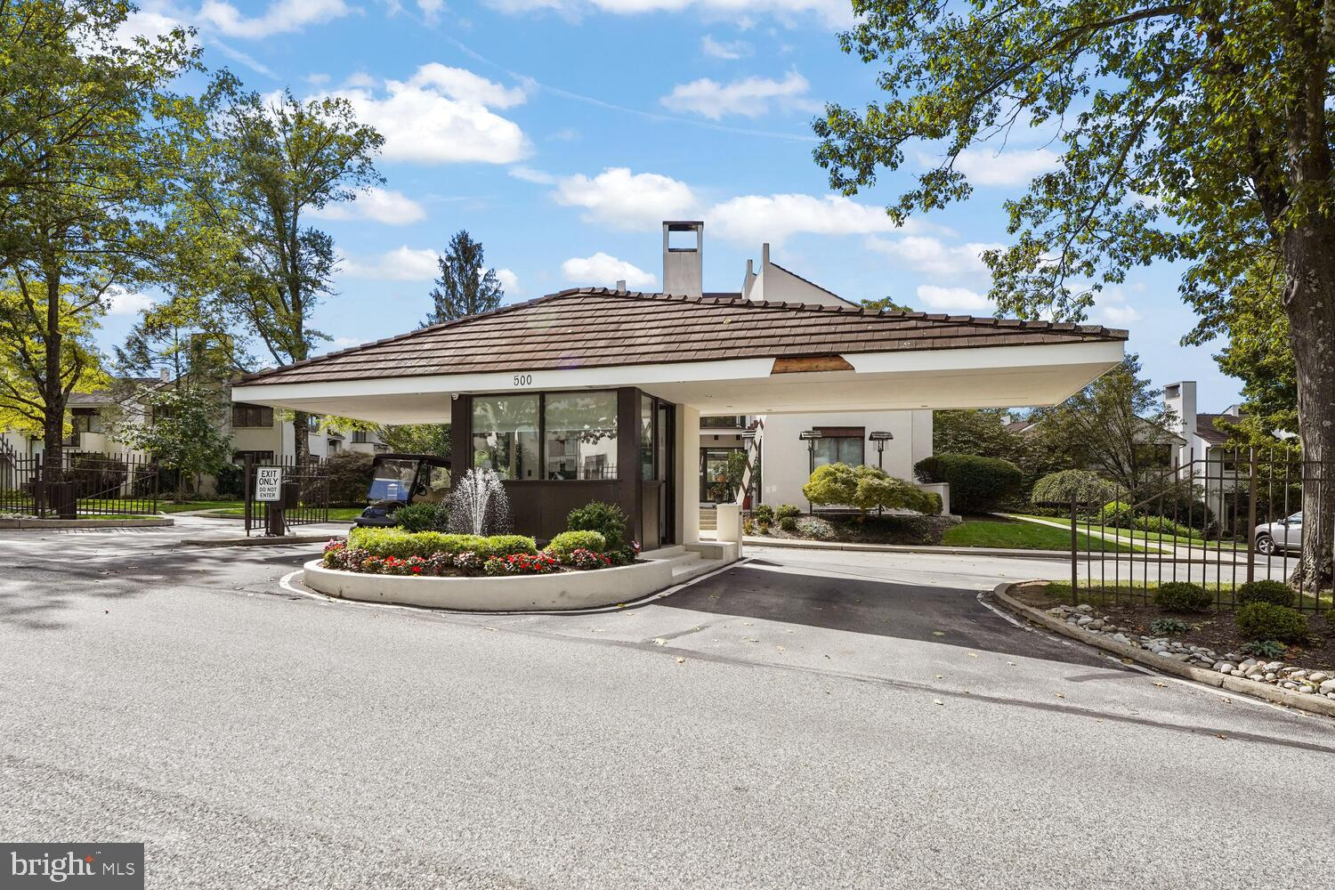 Welcome to the best of Arbordeau!   APPRAISED  IN 2021  for $550 000. 00.    3-bedroom flat plus  Library, with build in shelves and cabinets,  and  2.5 bath. 2nd floor home is very bright, airy and meticulously maintained.  Classic center hall design  with parquet  floring provides a wonderful flow. Lovely 3-directional views from the four exterior balconies.  Includes:  Completely renovated eat-in kitchen, formal dining room, with pocket doors. Sun drenched living room with fireplace  and Fench Door. Owners bedroom suite has radiant-heated porcelain floors .  Double vanities,  tub and sowers. Monthly fee included 24/7 front gate security/attendant service; a beautiful new swimming pool, clubhouse, and guest rooms for your overnight  guests with discounted price. 2 reserved underground parking spaces, accessible from your residence with personalized private elevator , exterior building and grounds maintenance, on-site management, and many other amenities.  This world class flat is for the discerning few. Appraisal report available to review.