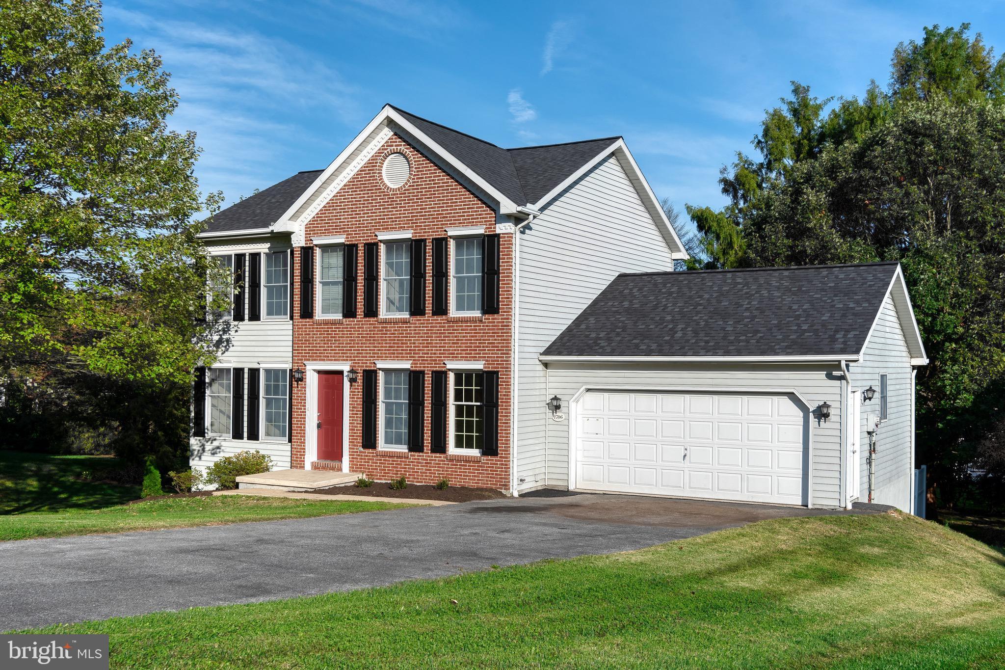 1706 Crossfield Drive, Lancaster, PA 17603