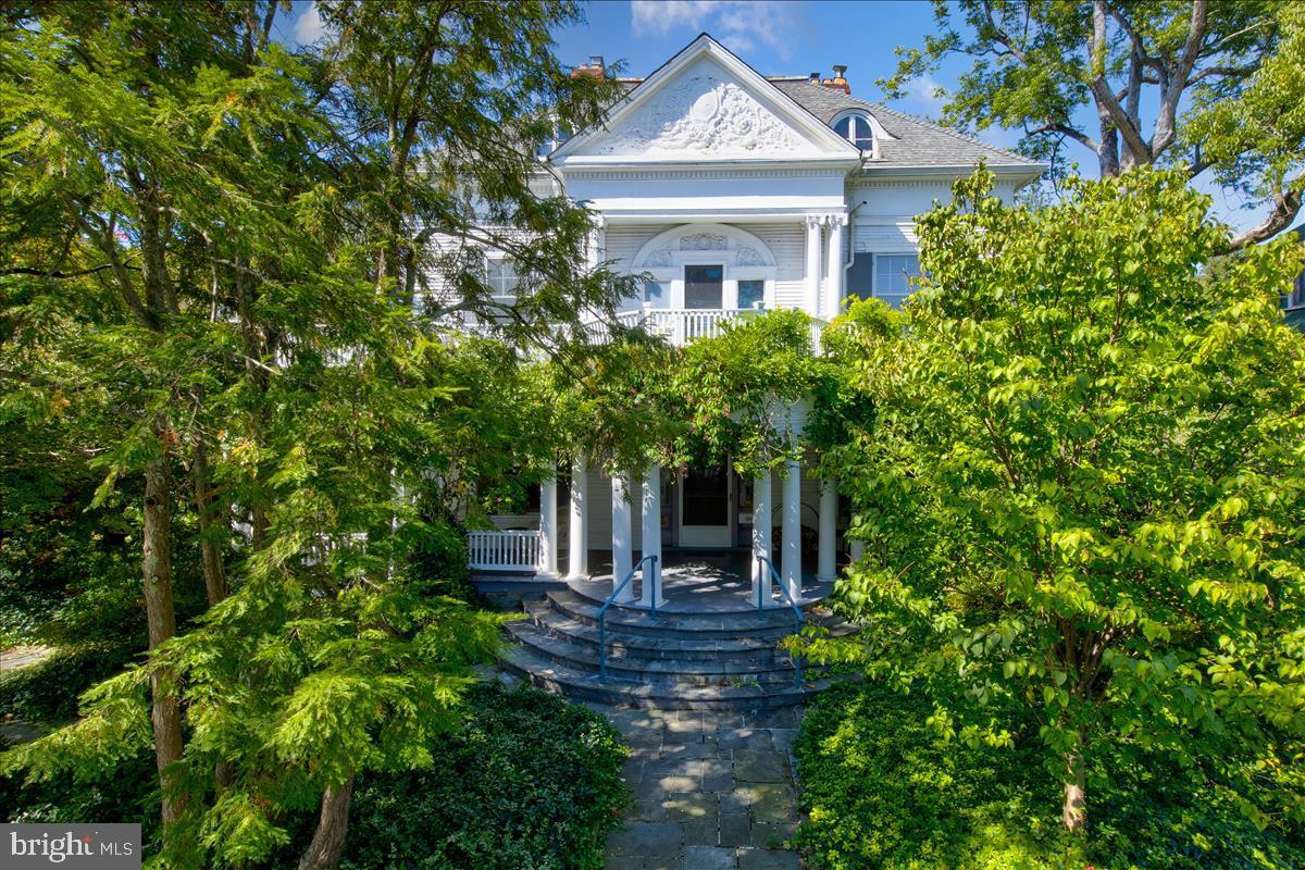 3432 Ashley Terrace NW, Washington, DC 20008