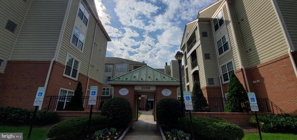 1100 Quaker Hill #115, Alexandria, VA 22314