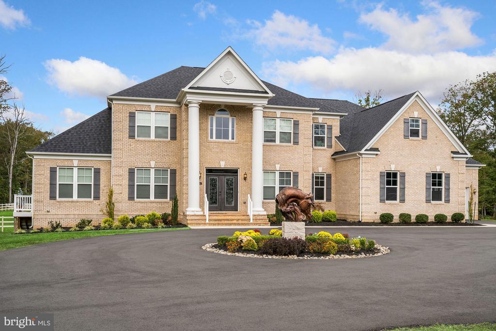 5690 Colchester Rd, Clifton, VA 20124