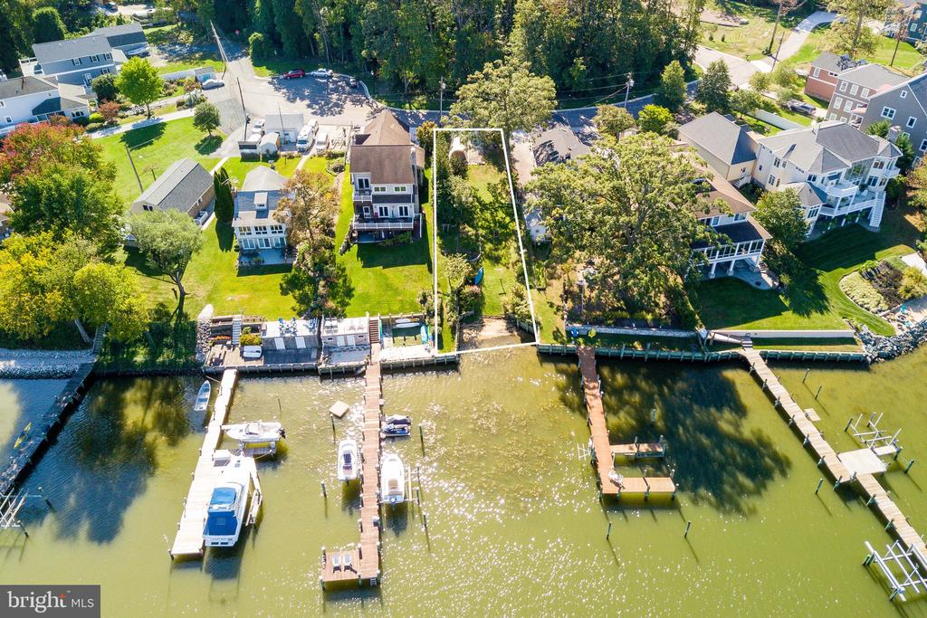 You'll love this beautiful waterfront lot on Katherine Ave. At the waterfront you have a bulkhead and beach area. No Flood Insurance needed due to High Elevation. Build your Dream Home! Your view is Norman Creek and Middle River. Public Water and Sewage available.Buyer to verify with county all info on building permits.