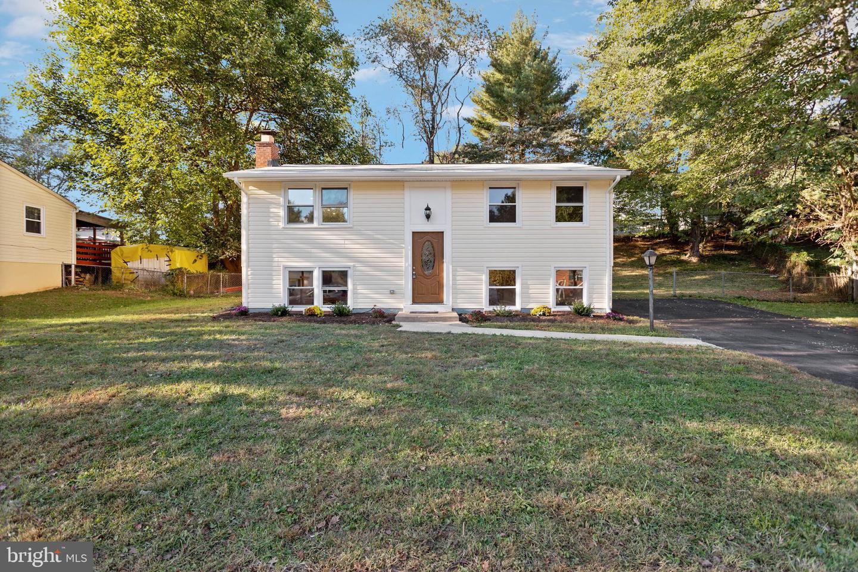 14217 Mapledale Avenue   - Woodbridge, Virginia 22193